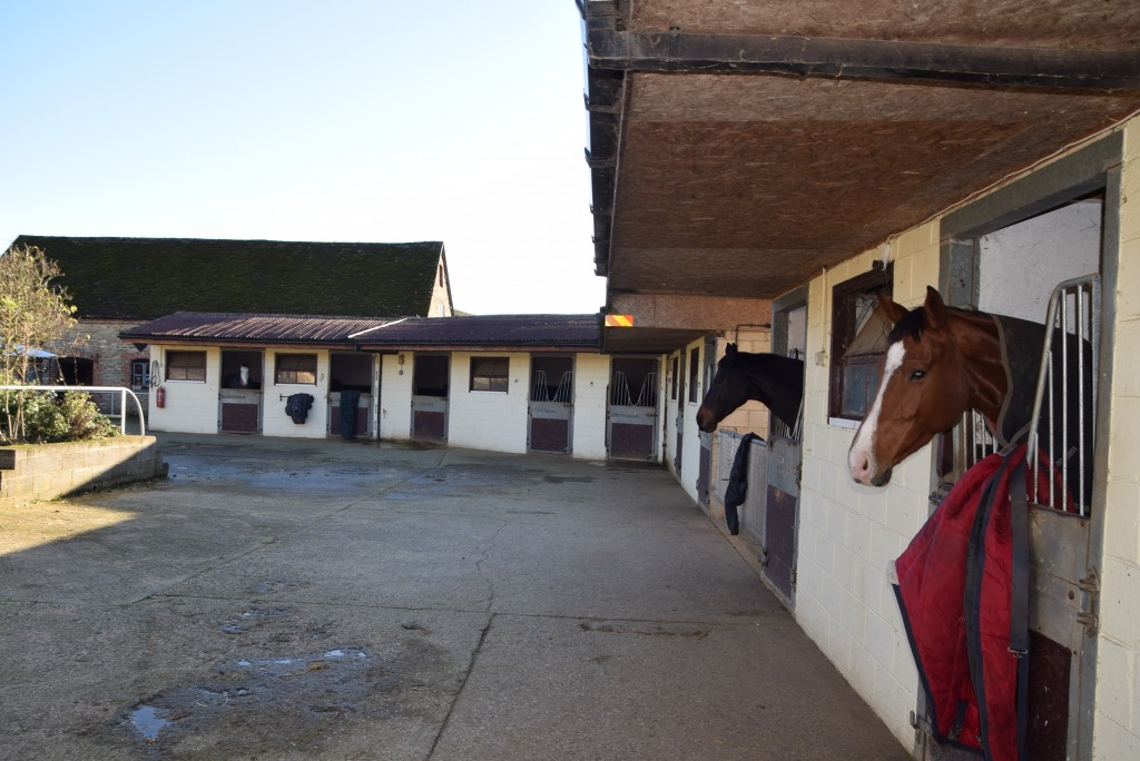 Equestrian Property To Let Oxfordshire